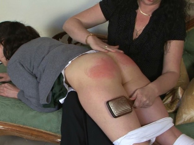 girlfriends sister gives me a blowjob homemade